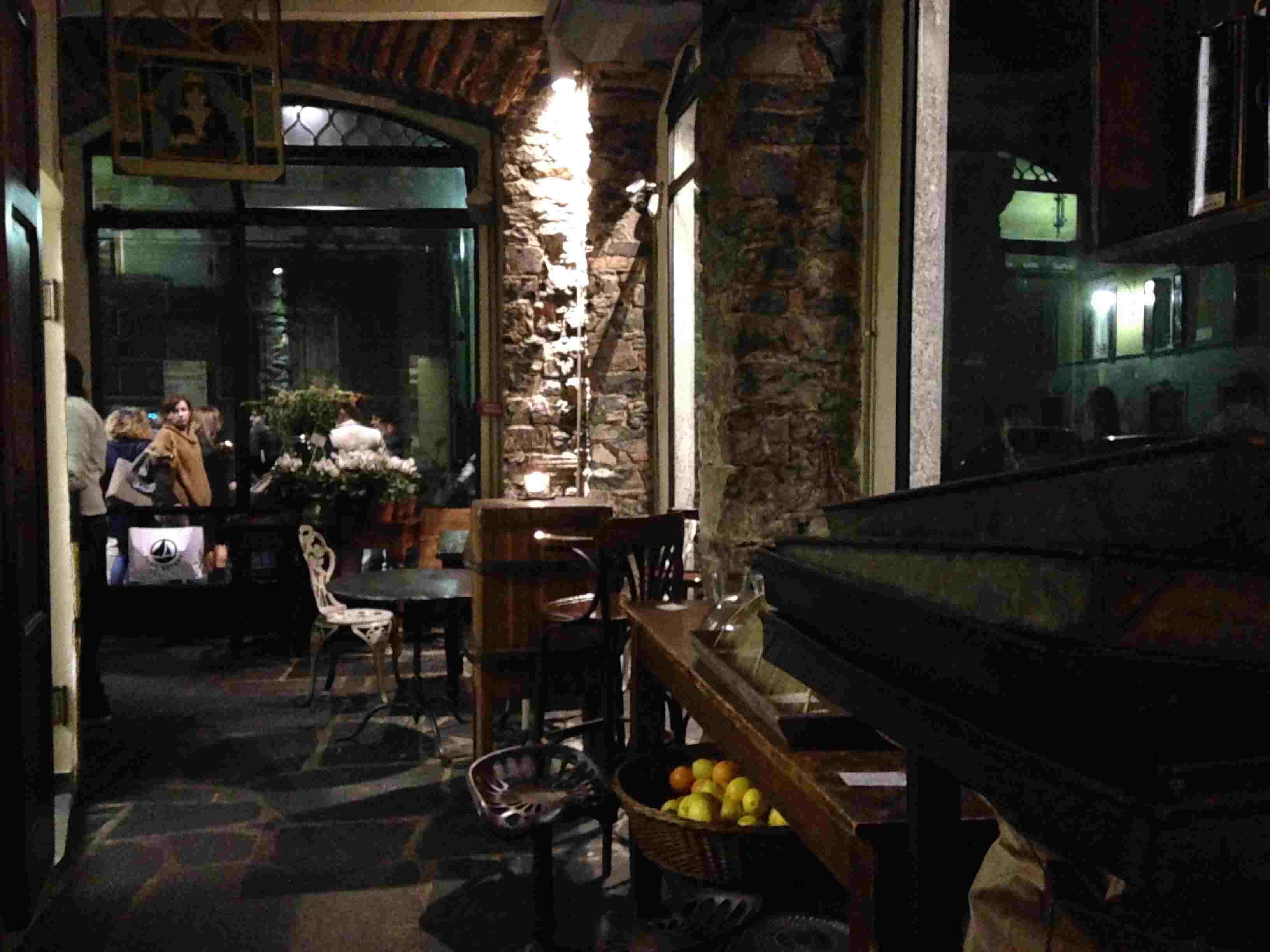 Aperitivo Cena E Ristoranti Wine Bar A Como
