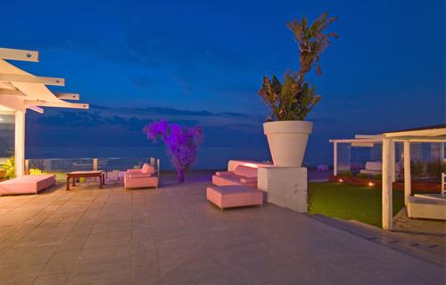 Matrimonio Spiaggia Bacoli : Vita notturna aperitivi e serate a napoli